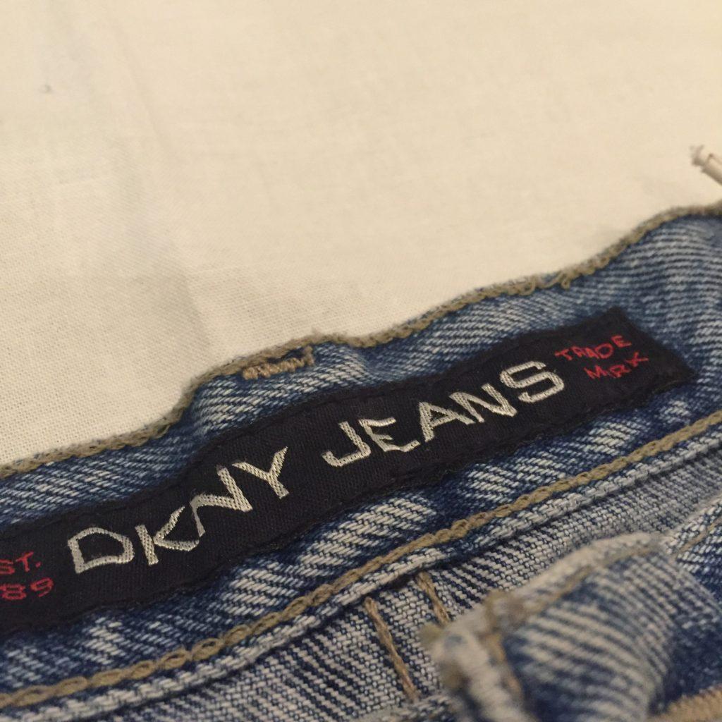 DKNY アイスブルー テーパードデニムの巻!! レディース